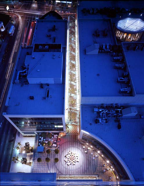 Rendering of the plaza at the Sepulveda Blvd entrance